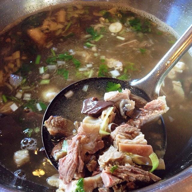 铁板蛋炒饭和羊肉汤 – 深夜谈吃